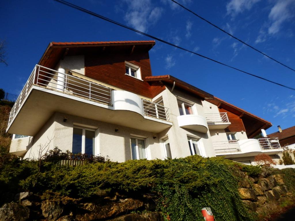 Sous compromis annecy maison contemporaine terres for Annecy maison