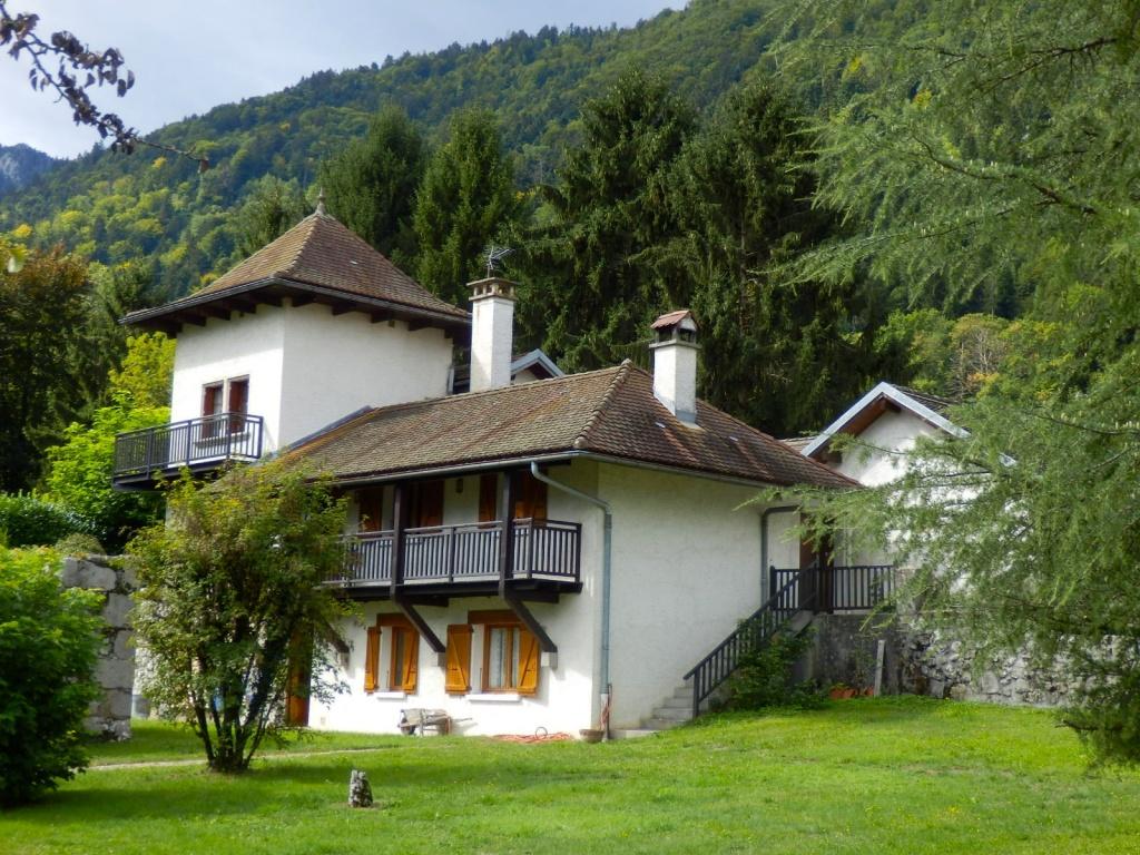 La maison annecy location maison avec jardin et terrasse for Annecy location maison