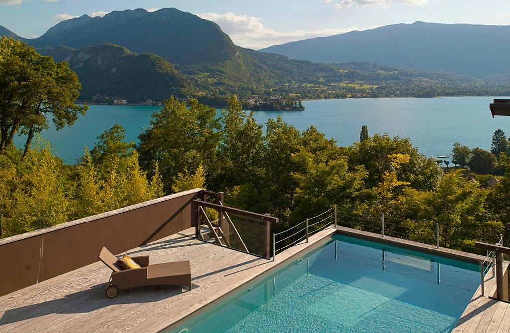 Villa magnifique rive est du lac d 39 annecy vue for Ford annecy garage du lac