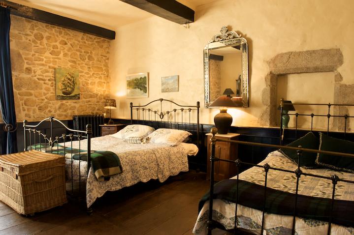 sous compromis tedf chateau du 15 em siecle a vendre en sud berry limousin terres. Black Bedroom Furniture Sets. Home Design Ideas