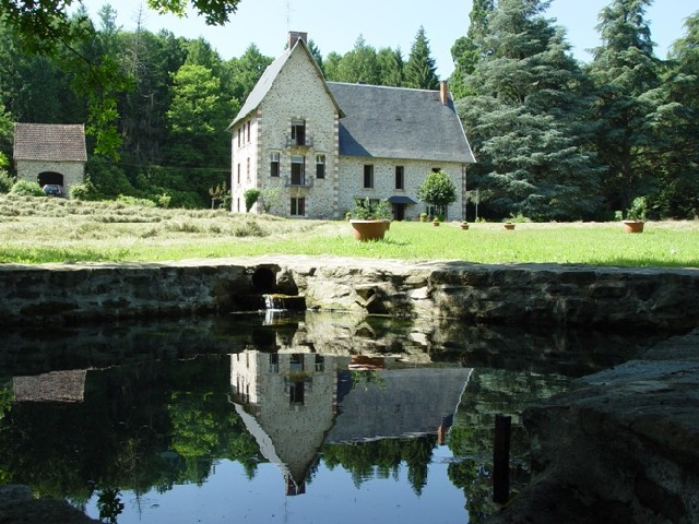 A vendre chateau et foret de 150 ha limousin terres for Achete maison france