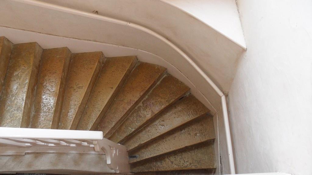 Restaurer un escalier restaurer un escalier habiller les - Restaurer un escalier bois ...