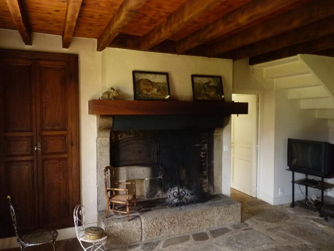 charmantes maisons de campagne a vendre sur 3 5 ha en berry terres demeures de france. Black Bedroom Furniture Sets. Home Design Ideas